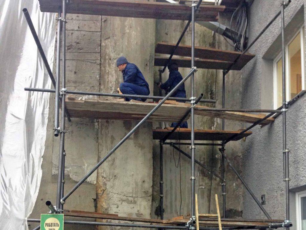 Капитальный ремонт подпорной стенки подводящего канала Выгостровской ГЭС пос. Нижний Выг, респ.Карелия, РФ Сентябрь, 2017